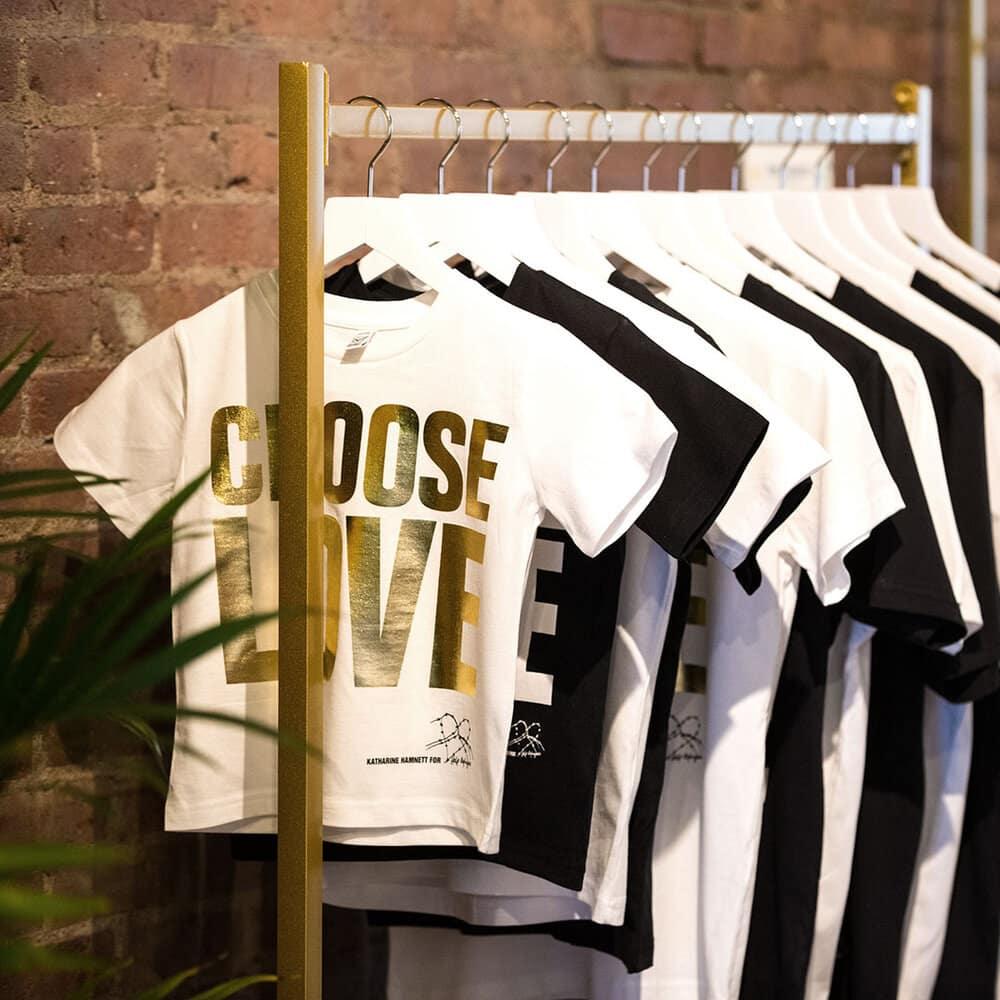 Design_Milk_Choose_Love_NYC_tee-shirt.jpg